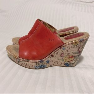 Boc by Born Deanna Red Floral Wedge Sandals - 9